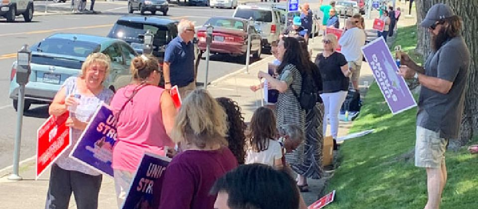 Spokane City, County Workers Picket for Fair Bargaining